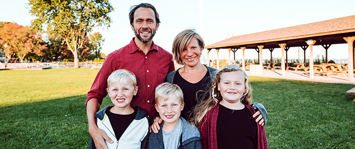 Chiropractor Shelby Charter Township MI Pete Rom and Family